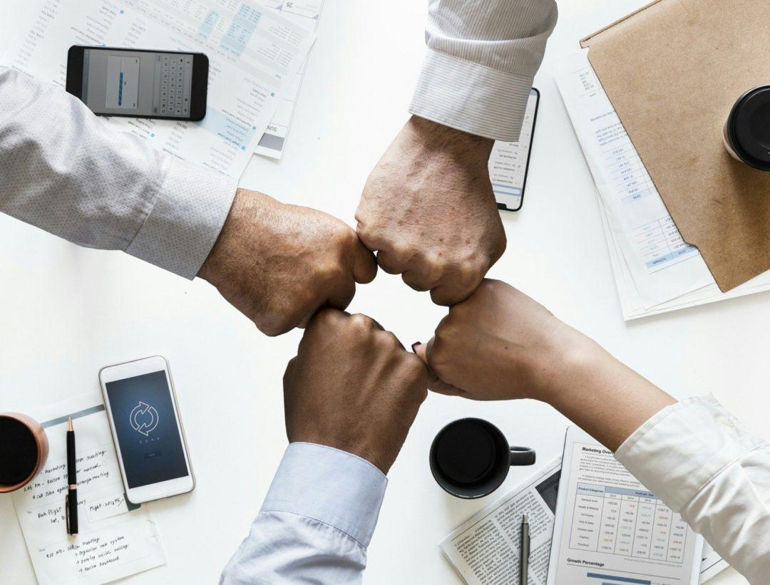 Zusammenarbeit Edwanz scaled - EDWANZ group – Unser Firmenverbund für Ihren Mehrwert